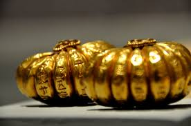 golden earrings golden earrings from king shulgi illustration ancient history