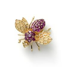 ruby bee pin 14k yellow gold