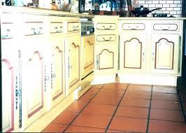 repeindre des meubles de cuisine rustique repeindre cuisine rustique meubles de cuisines nouveau racnovation