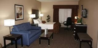 Comfort Suites Comfort Suites Deluxe Family Suite Suites Comfort Suites Kelowna Kelowna Bc