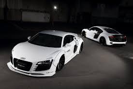Audi R8 White - liberty walk dresses up first gen audi r8