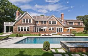 Backyard Pool Landscaping by 10 Landscaping Mistakes Not To Make This Fall Freshome Com