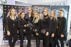 la makeup school nemendur í reykjavík makeup school ásamt söru dögg sem rekur