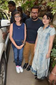 Suhani Bhatnagar Aamir Khan And Zaira Wasim At Dangal Press Meet