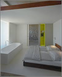 feuchtigkeit im schlafzimmer badewanne im schlafzimmer feuchtigkeit badewanne house und