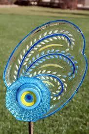Recycled Garden Art Ideas - best 25 glass garden art ideas on pinterest glass flowers