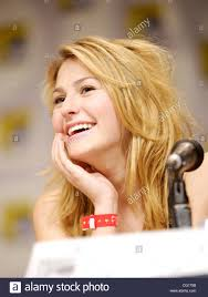scout taylor compton actress playing laurie stode role