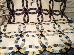 Double Wedding Ring Quilt by Double Wedding Ring Quilt