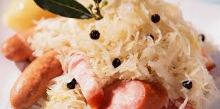 comment cuisiner la choucroute crue choucroute alsacienne facile recette sur cuisine actuelle