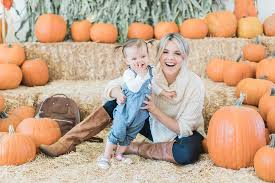 pumpkin patch maternity pumpkin patch visit in the fall ali fedotowsky