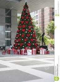 tree shopping httpsicdn2digitaltrendscomimagechristmas