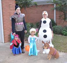 family costume frozen elsa olaf anna kristoff and sven dog