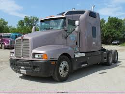 2005 Kenworth T600 Semi Truck Item H7375 Sold August 20