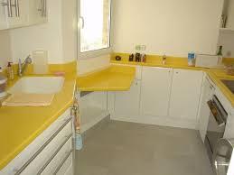 r駸ine plan de travail cuisine cuisine laquée avec plan de travail en résine jaune fabriquée et
