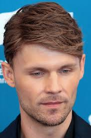 men feathered hair new hairstyles for men