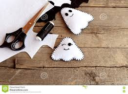 halloween funny white ghosts diy felt sheets scissors thread