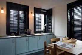 stores cuisine rideaux ou stores que choisir pour votre intérieur