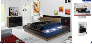 Platform Bed Led Enzo Grey Lacquer Bed With Led Lights With Black Lacquer Bedroom