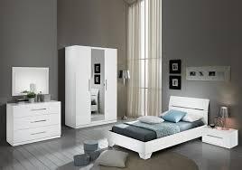 chambre a enfant chambre à coucher enfant laqué blanc gloria chambre enfant chic