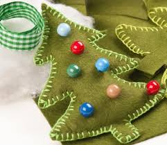 felt christmas ornaments sew felt christmas ornaments tutorial thread studio