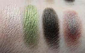 Wet Wild Comfort Zone Wet N Wild 8 Eyeshadow Palettes Swatches Photos U0026 Review Vampy