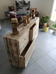 meuble pour chambre enfant meuble chambre enfant pour vêtements ou jouets room pallet