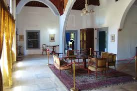 living room in mansion file hadjigeorgakis kornesios cypriot mansion living room hall jpg
