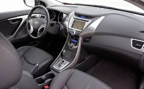 2013 black hyundai elantra 2013 hyundai elantra coupe drive motor trend