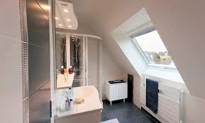 salle de bain dans chambre sous comble salle de bain dans chambre sous comble amenagement chambre sous