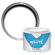valspar white matt matt emulsion paint 2 5l departments diy at b u0026q