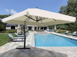 Blue And White Patio Umbrella Swimming Pool Outdoor Swimming Pool With Decorative Umbrella