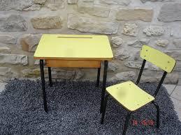 bureau écolier relooké bureau enfant formica jaune atelier darblay le meuble d à côté