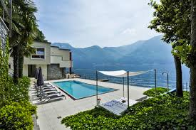 villa front lake luxury retreats