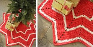 crocheted christmas crocheted christmas tree skirt free crochet pattern