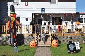 decorating home for halloween local homes get decked out for halloween news sports jobs