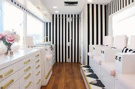 colvon mobile nail salon a nail salon on wheels launches in la