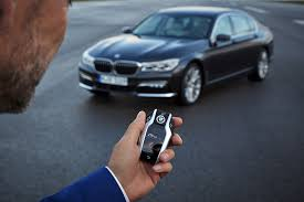 bugatti car key 2016 bmw 7 series parking itself using the key fob is mesmerizing