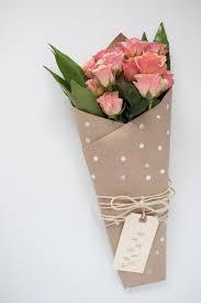 paper wrapped flowers best 25 flower wrap ideas on wrap flowers in paper florist