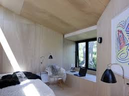 this backyard guest house provides extra space for visitors 4720