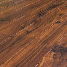 Locking Laminate Flooring Asian Walnut Acacia Scraped Laminate Click Lock Mopping