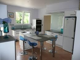 table haute de cuisine avec rangement enchanteur table haute de cuisine avec galerie avec table de cuisine
