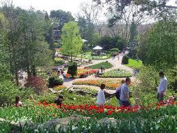 The Royal Botanic Gardens Families Enjoying Nature Picture Of Royal Botanical Gardens