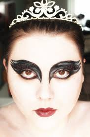 Black Eye Makeup For Halloween The Black Pearl Blog Uk Beauty Fashion And Lifestyle Blog