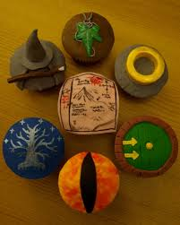 the hobbit and lord of the rings cupcakes by sparks1992 deviantart