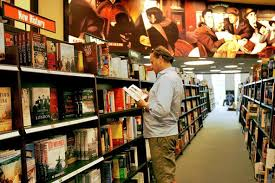 Barnes Novle Barnes U0026 Noble U0027s Chairman Drops Plan To Buy Its Bookstores The
