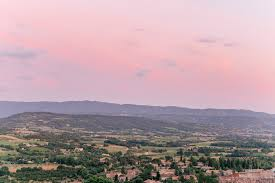 saturn sky pink sunset picnic in saint saturnin lès apt gal meets glam