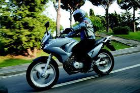 honda varadero the xl125v varadero from honda is a reliable little big motorcycle