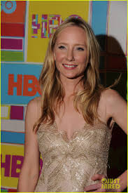 judy greer u0026 anne heche put on their best for hbo u0027s emmys 2014