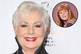 how to cut your own hair like suzanne somers partridge family mom shirley jones on deceased co star suzanne