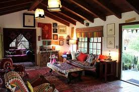 How To Achieve Bohemian Or BohoChic Style - Bohemian style interior design